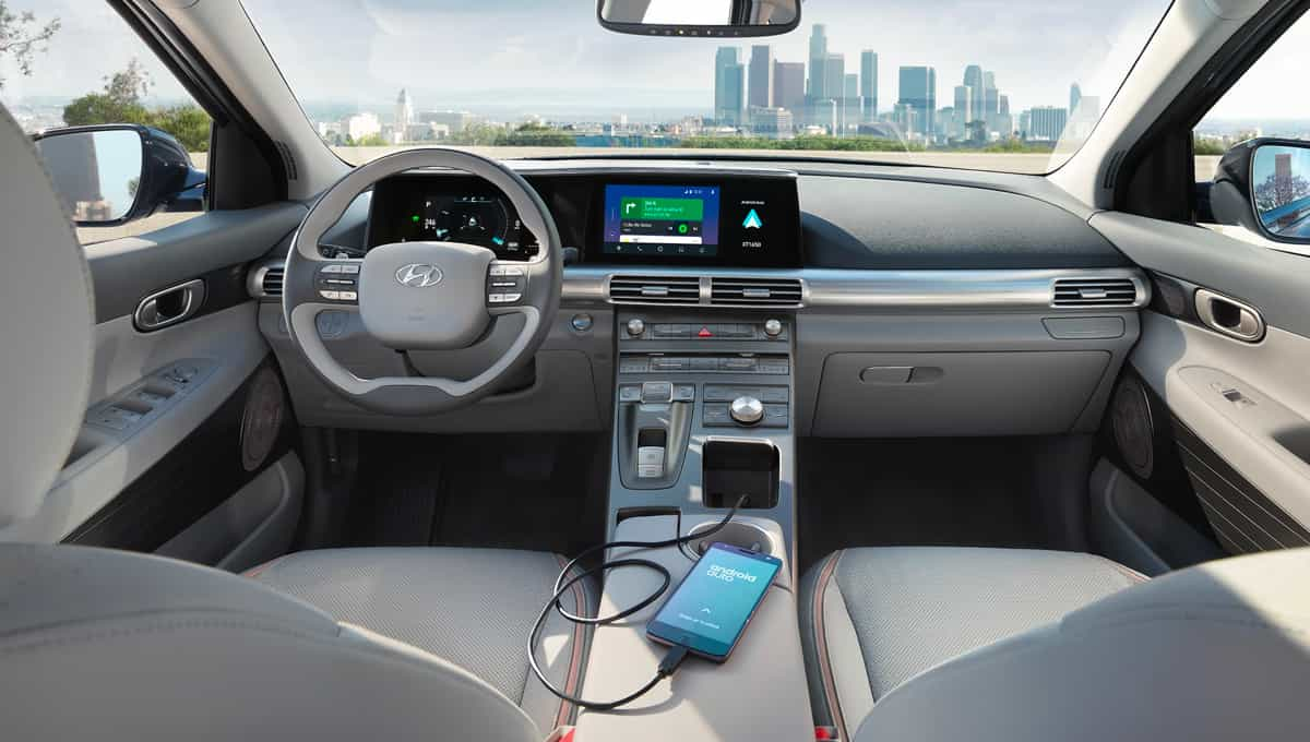 Apple CarPlay<sup>™</sup> and Android Auto<sup>™</sup>