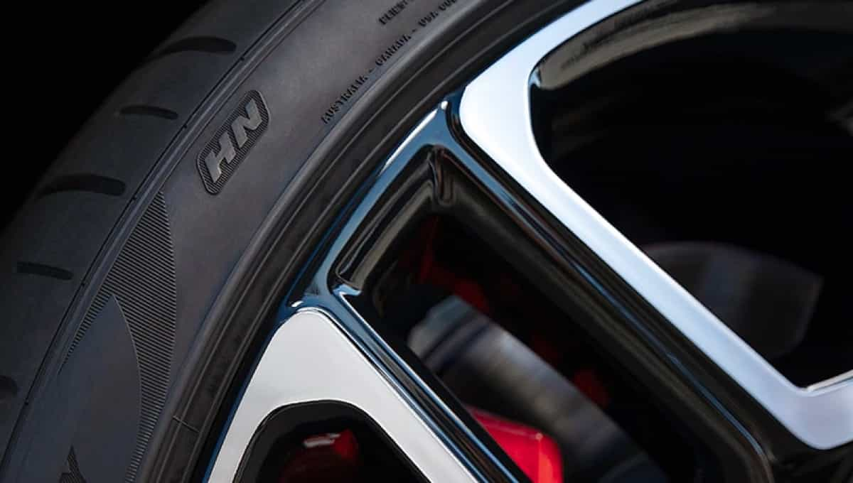 Pirelli P-Zero Summer tires